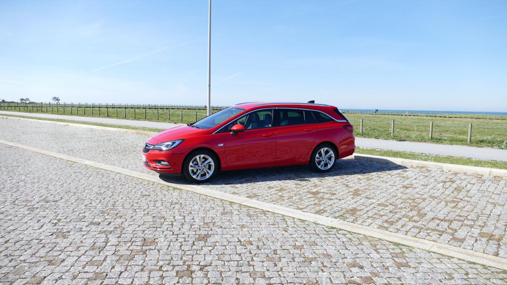Opel Astra SportstourerP1170611
