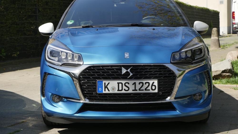 DS3-hatch_bleu-belle-ile01
