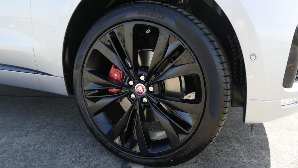 JaguarFPACE-S-V6-autogefuehl17