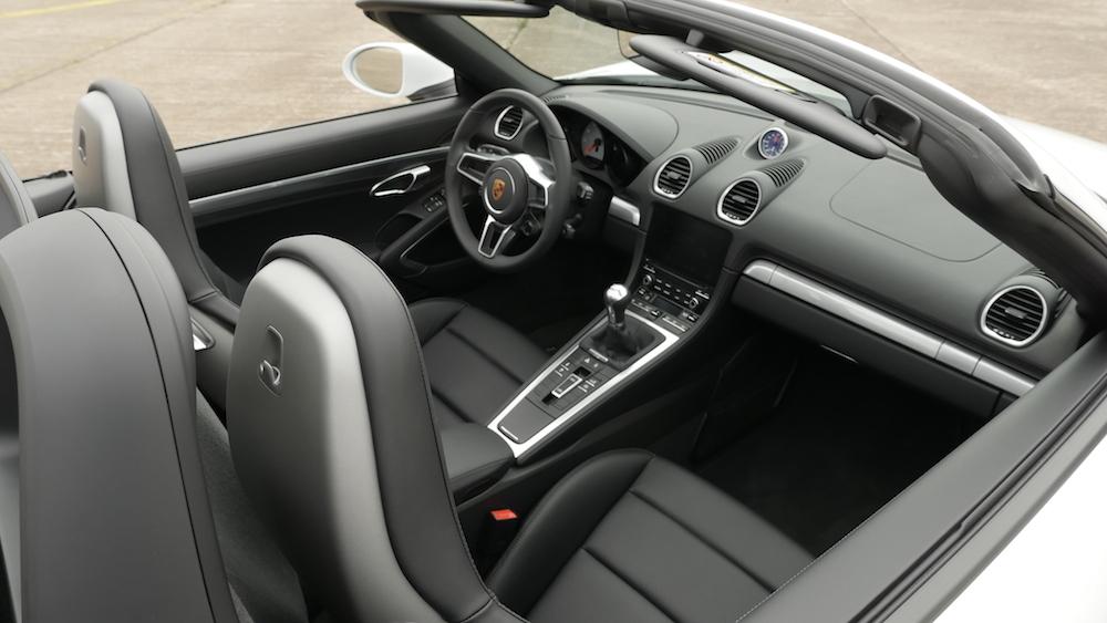 Porsche718Boxster_Interieur012