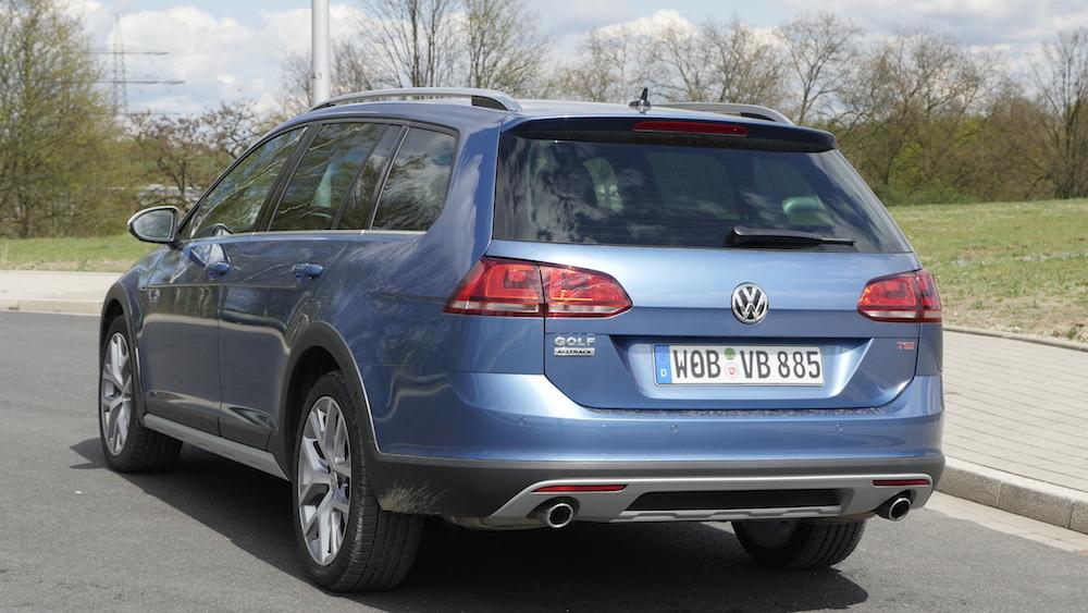 VW_Volkswagen_Golf_Alltrack_PacificBlueMetallic_06
