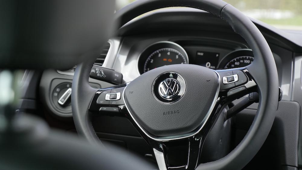 VW_Volkswagen_Golf_Alltrack_PacificBlueMetallic_07