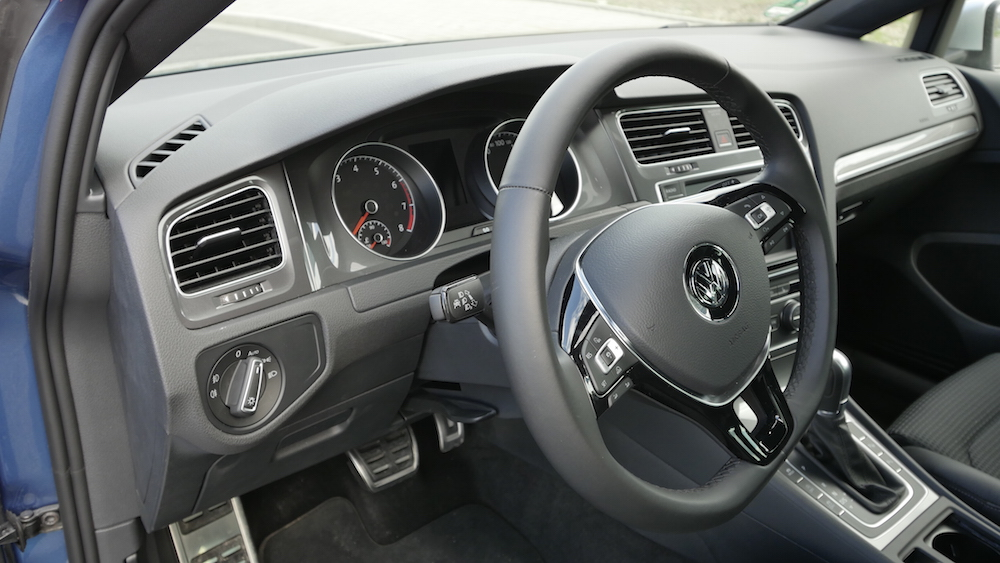 VW_Volkswagen_Golf_Alltrack_PacificBlueMetallic_14