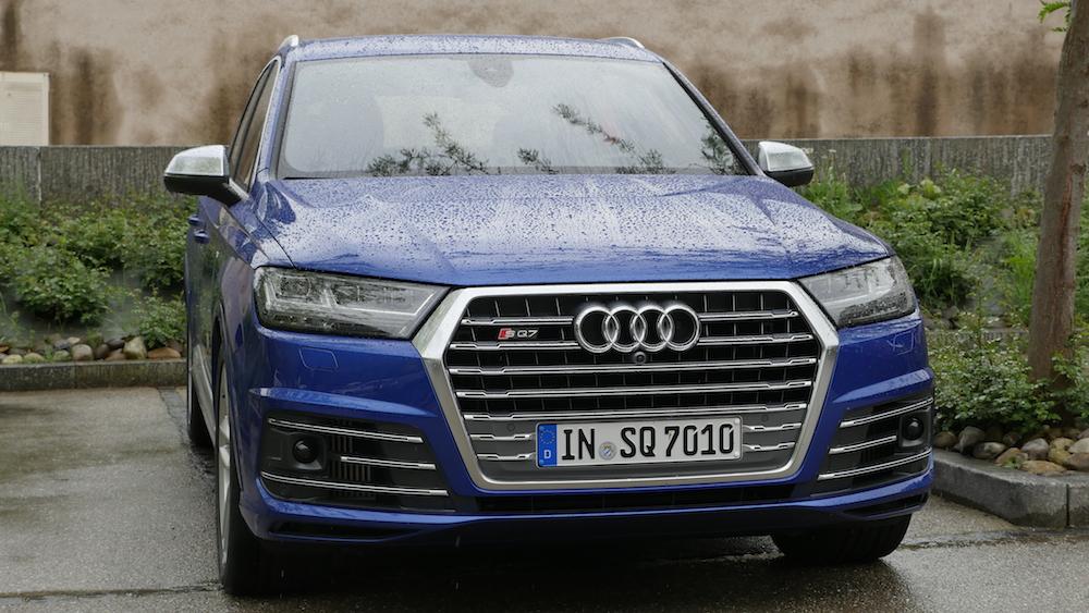 AudiSQ7-sepangblau2