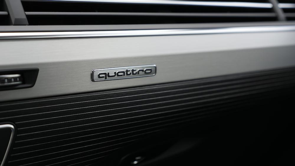 AudiSQ7_interieur_schwarz006