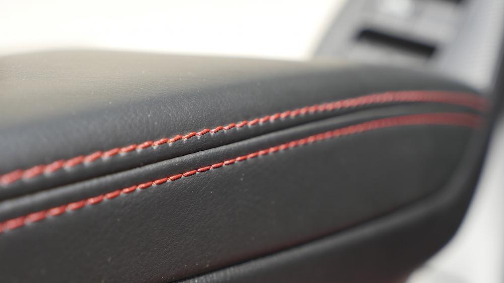 Mazda3_LImousine_05