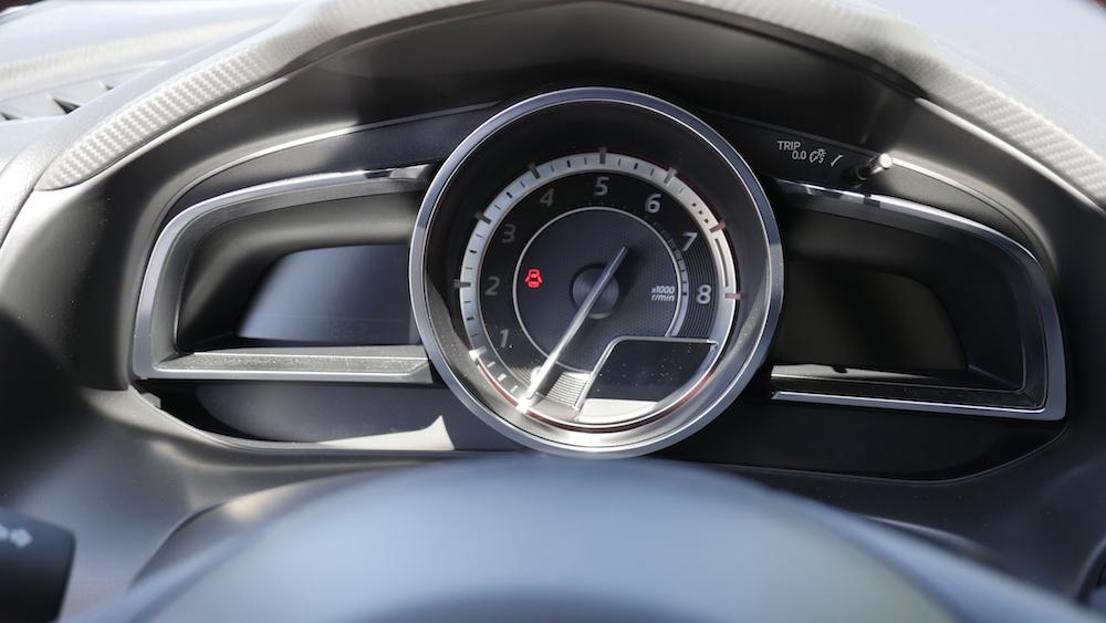 Mazda3_LImousine_06