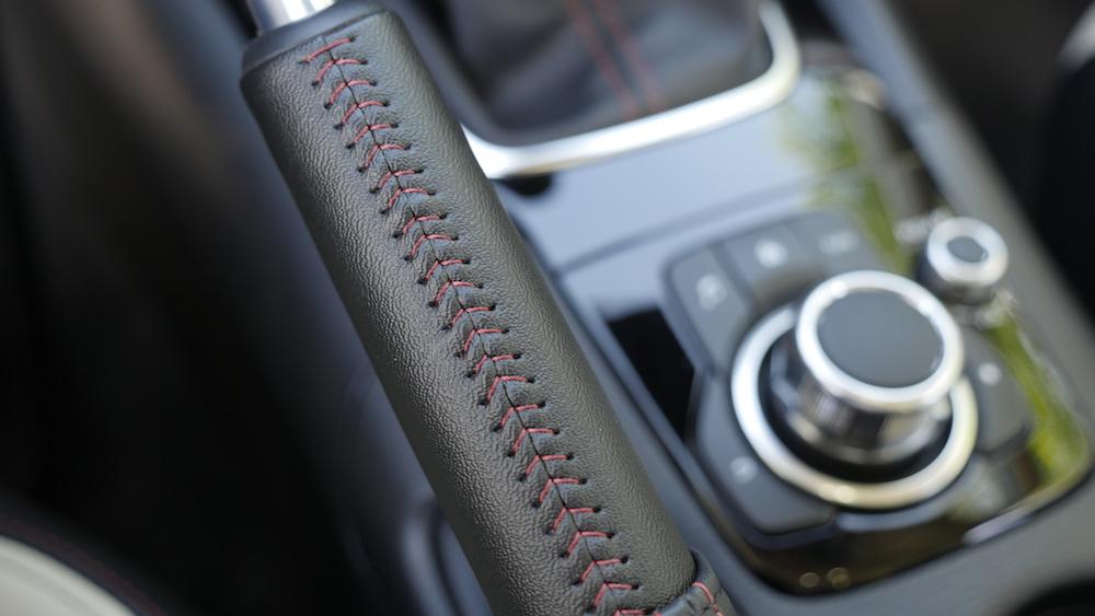 Mazda3_LImousine_07