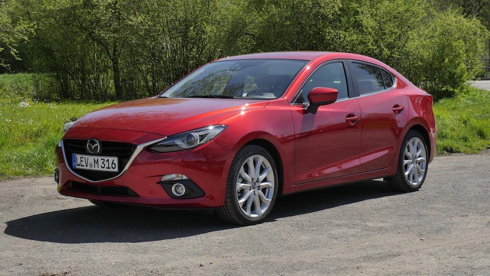 Mazda3_LImousine_10