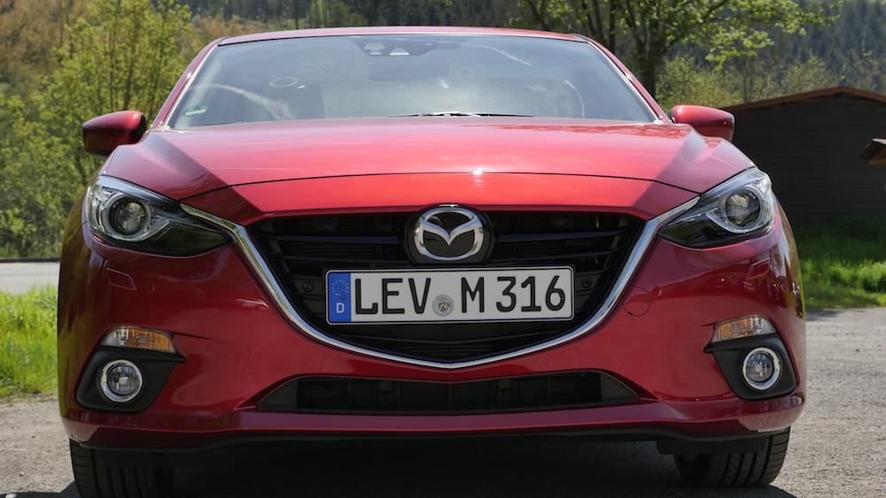 Mazda3_LImousine_11