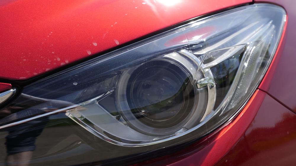 Mazda3_LImousine_12
