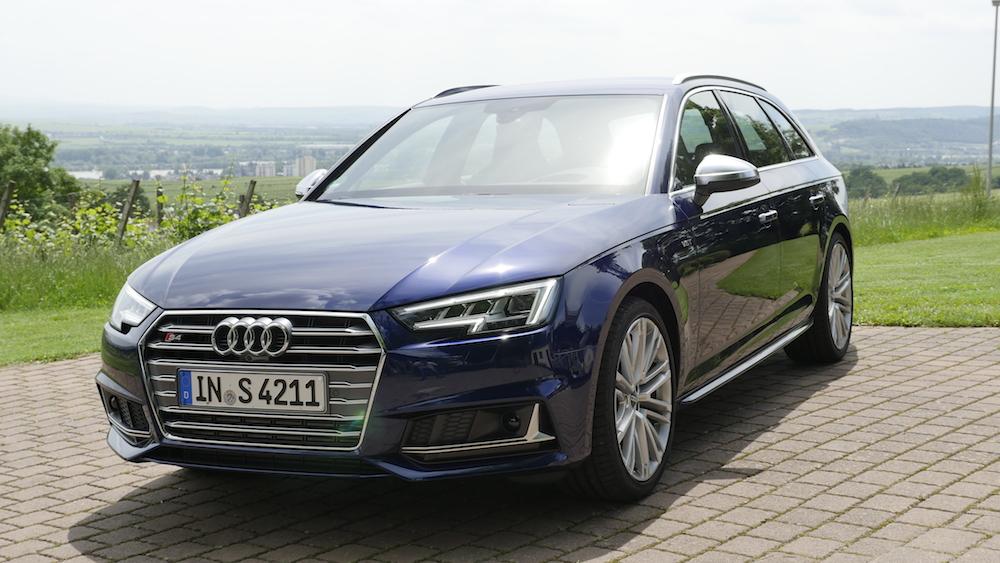 AudiS4_Avant-NavarraBlau004