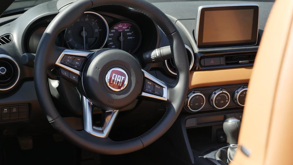 Fiat124Spider-neu-019
