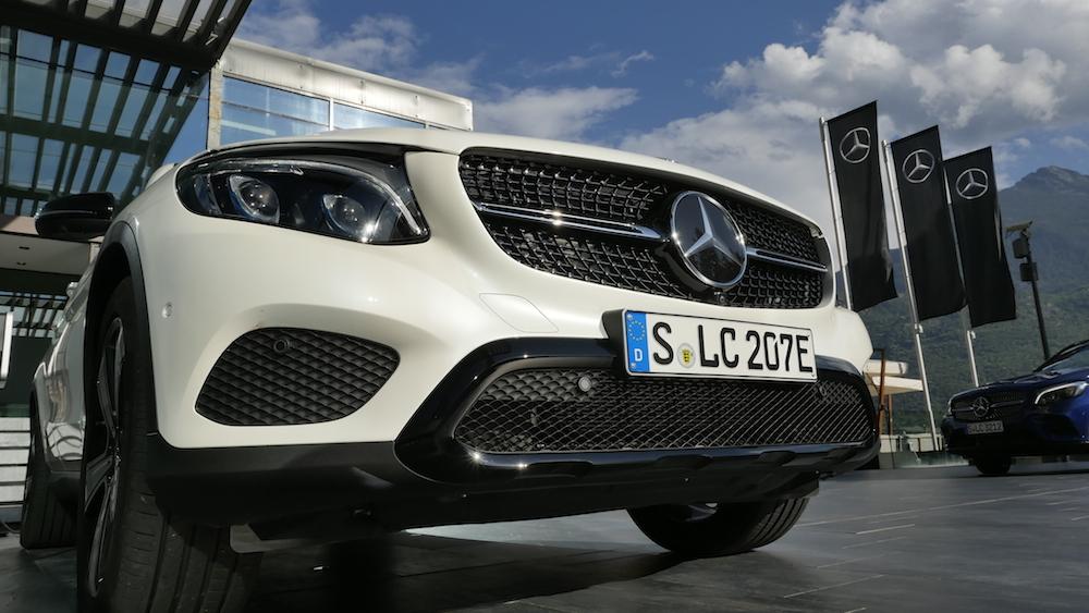 MercedesGLC350e_PluginHybrid_000