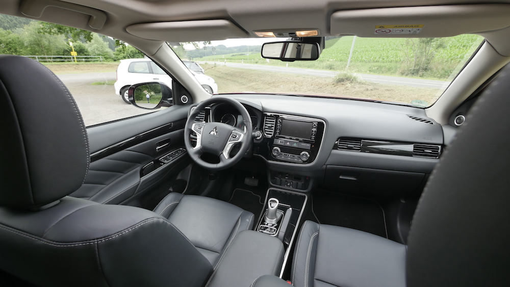 MitsubishiOutlanderPHEV_autogefuehl02