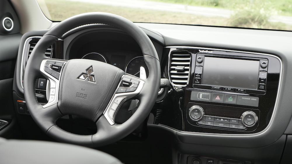 MitsubishiOutlanderPHEV_autogefuehl04