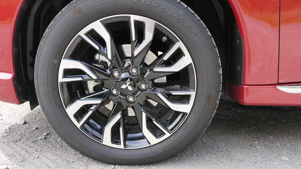 MitsubishiOutlanderPHEV_autogefuehl15