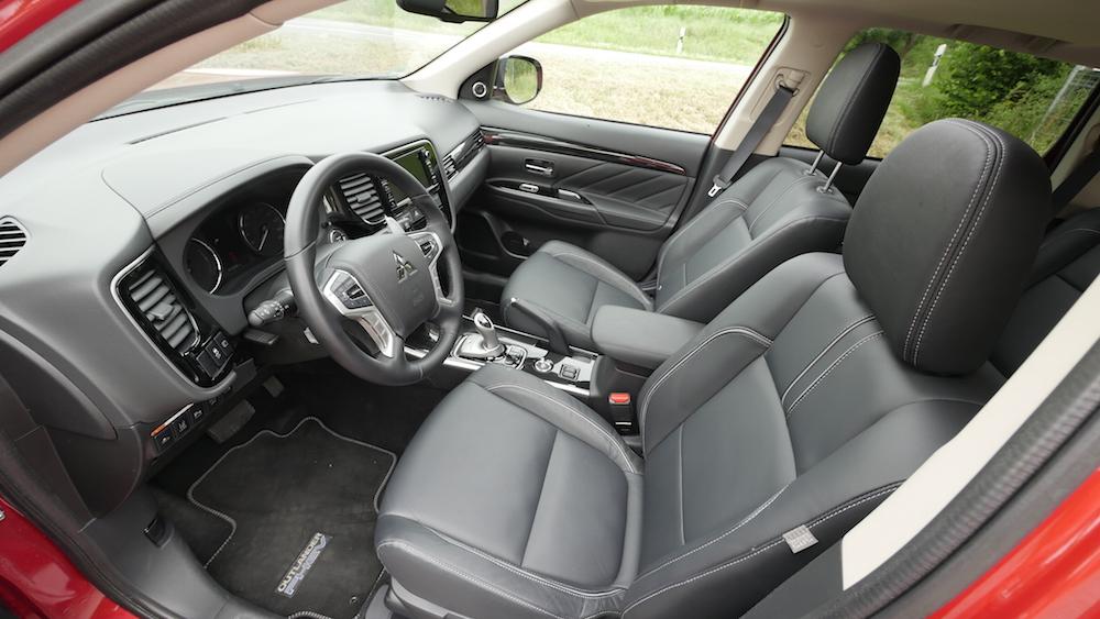 MitsubishiOutlanderPHEV_autogefuehl16