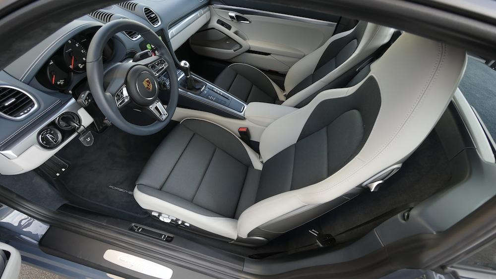 Porsche718Cayman_GraphiteGrey_011