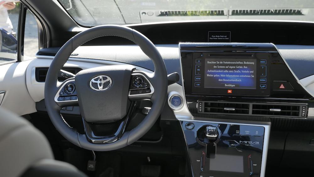ToyotaMirai_Brennstoffzelle04