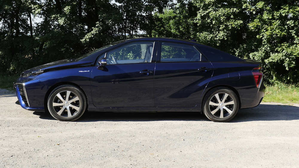 ToyotaMirai_Brennstoffzelle08