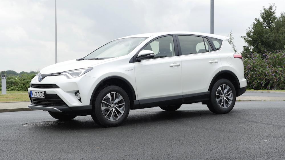 ToyotaRav4_hybrid_autogefuehl01