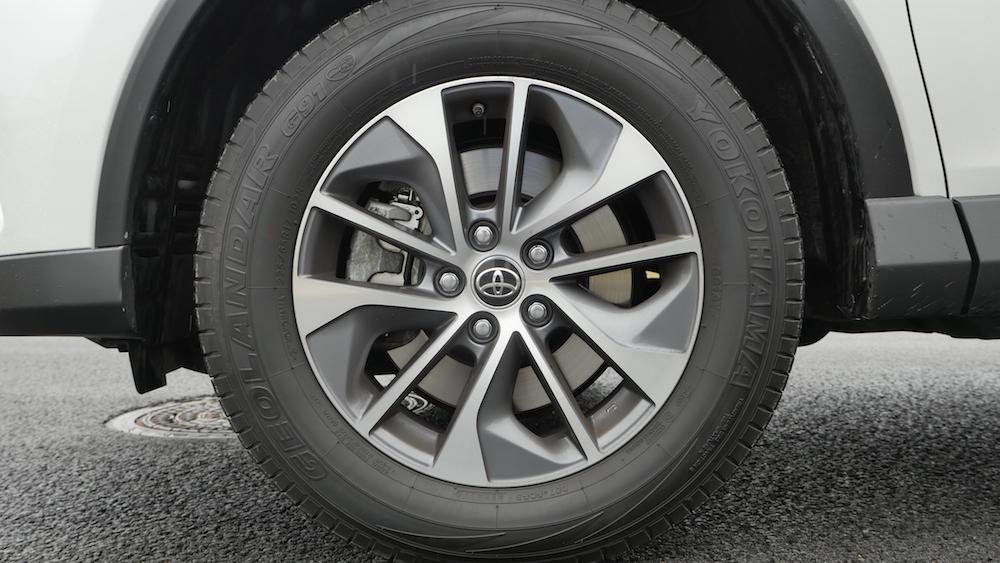 ToyotaRav4_hybrid_autogefuehl05
