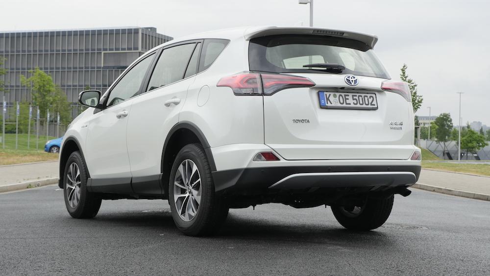 ToyotaRav4_hybrid_autogefuehl07