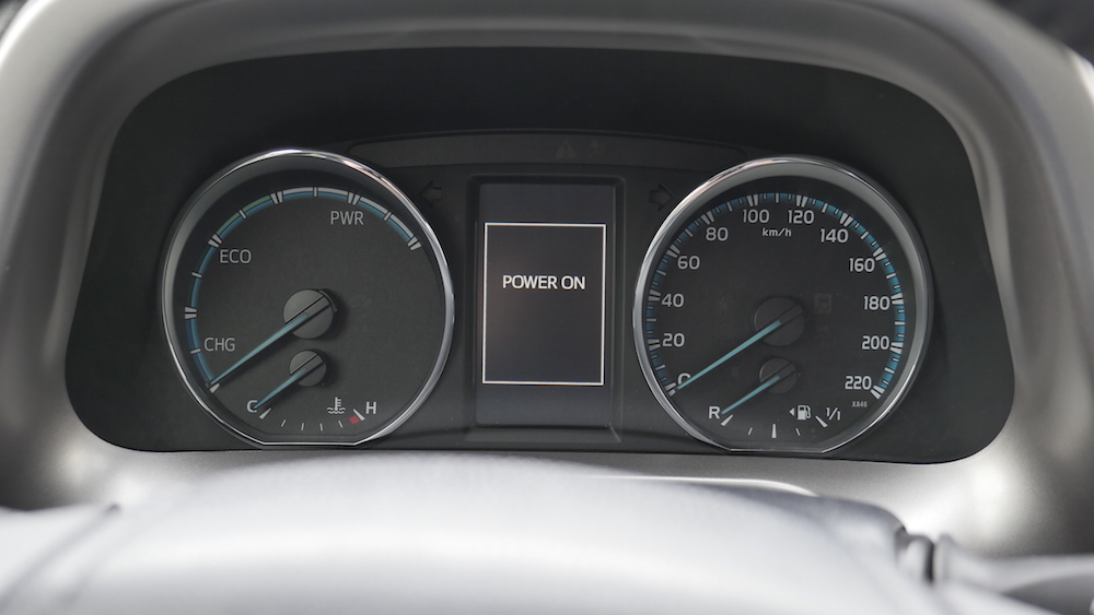 ToyotaRav4_hybrid_autogefuehl08
