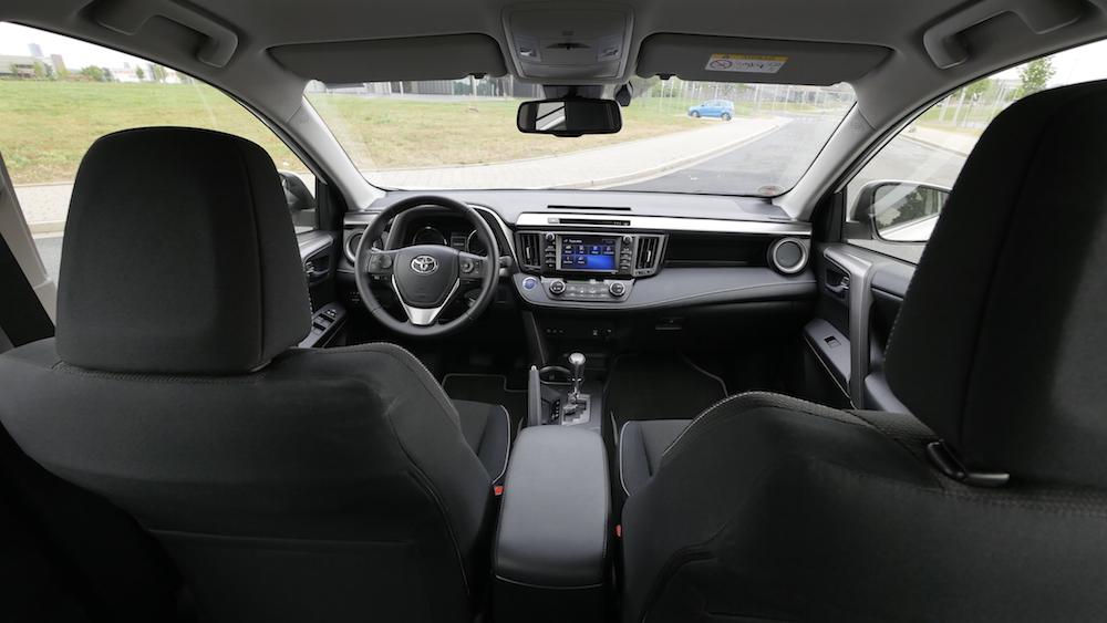 ToyotaRav4_hybrid_autogefuehl12