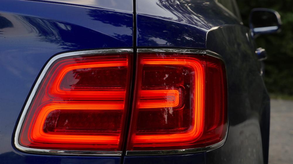 BentleyBentayga_MarokkoBlau_autogefuehl10