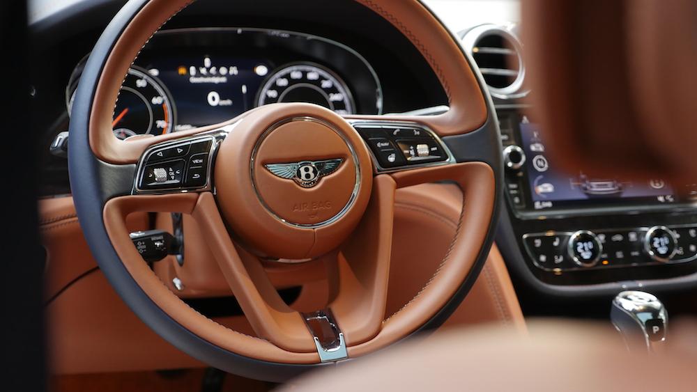 BentleyBentayga_MarokkoBlau_autogefuehl21