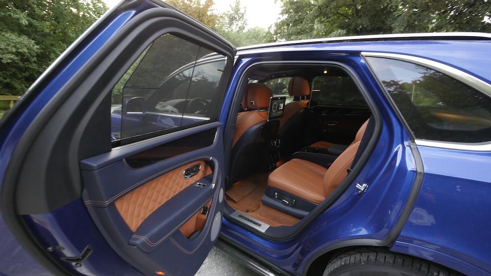 BentleyBentayga_MarokkoBlau_autogefuehl30
