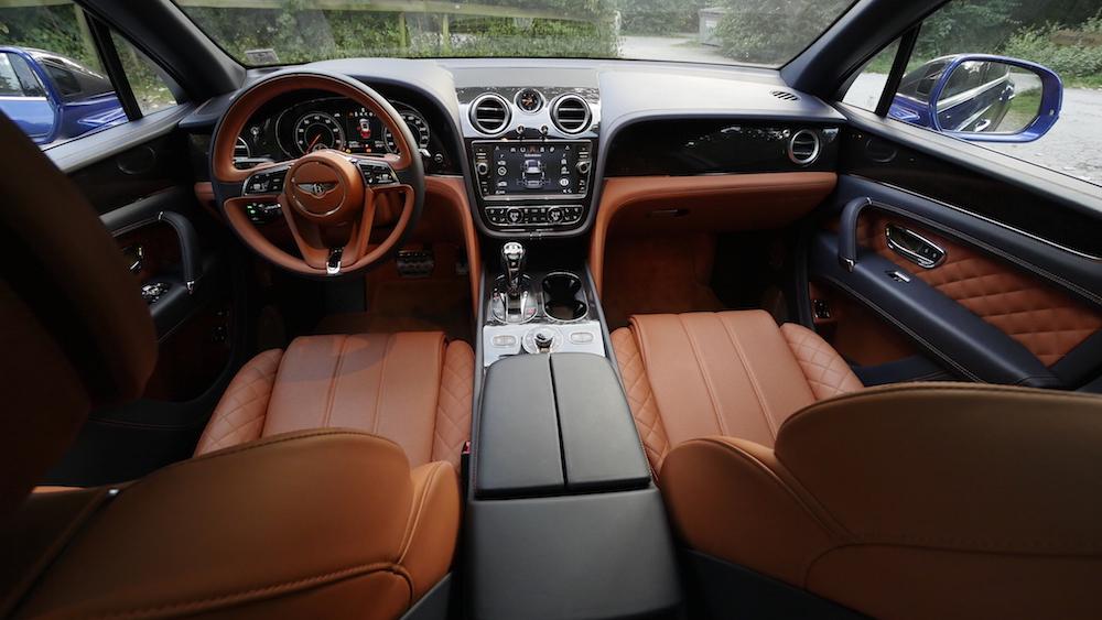 BentleyBentayga_MarokkoBlau_autogefuehl31