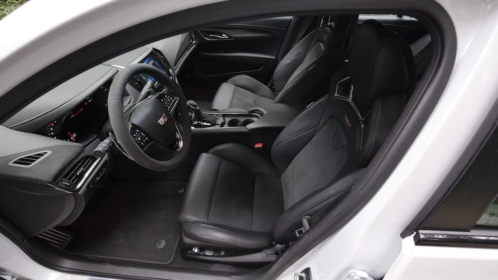 CadillacATS-V_Limousine_autogefuehl15