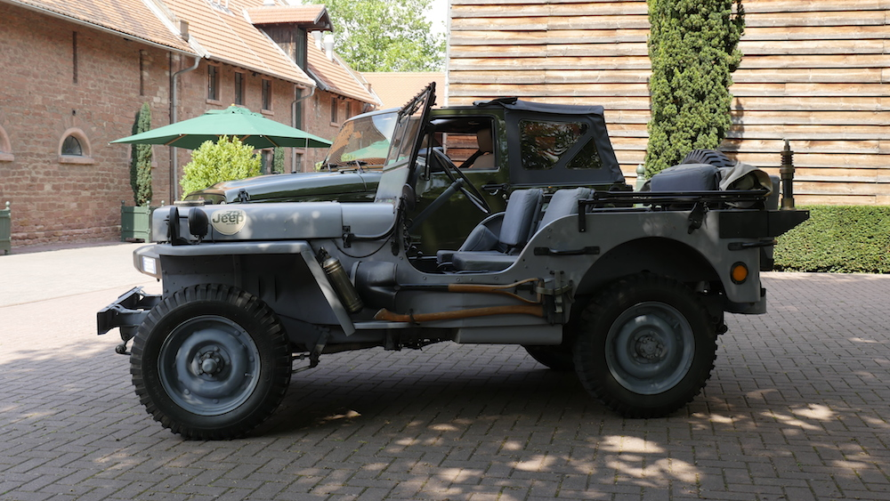 JeepWrangler75anniversary_vs_WillysMB009