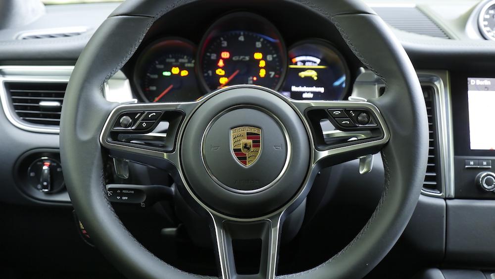 PorscheMacanGTS06
