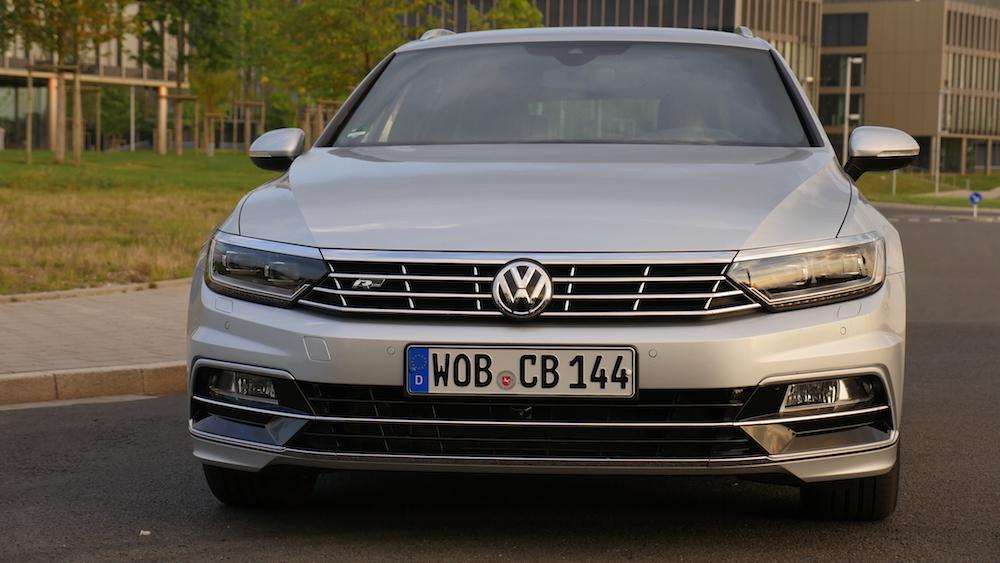 VWPassatVariantR-Line_autogefuehl03