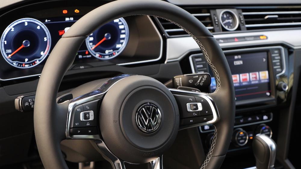 VWPassatVariantR-Line_autogefuehl10