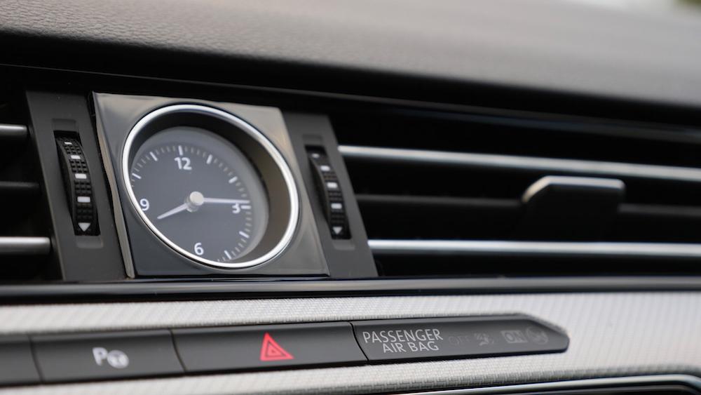 VWPassatVariantR-Line_autogefuehl13