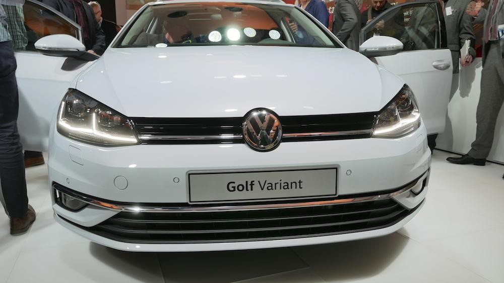 vw golf vii facelift r line gti gte variant autogef hl. Black Bedroom Furniture Sets. Home Design Ideas
