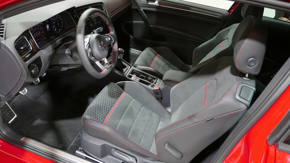 vw golf vii facelift r line gti gte variant autogef hl. Black Bedroom Furniture Sets. Home Design Ideas