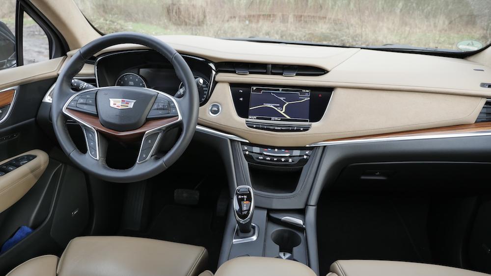 Cadillac_XT5_1440184