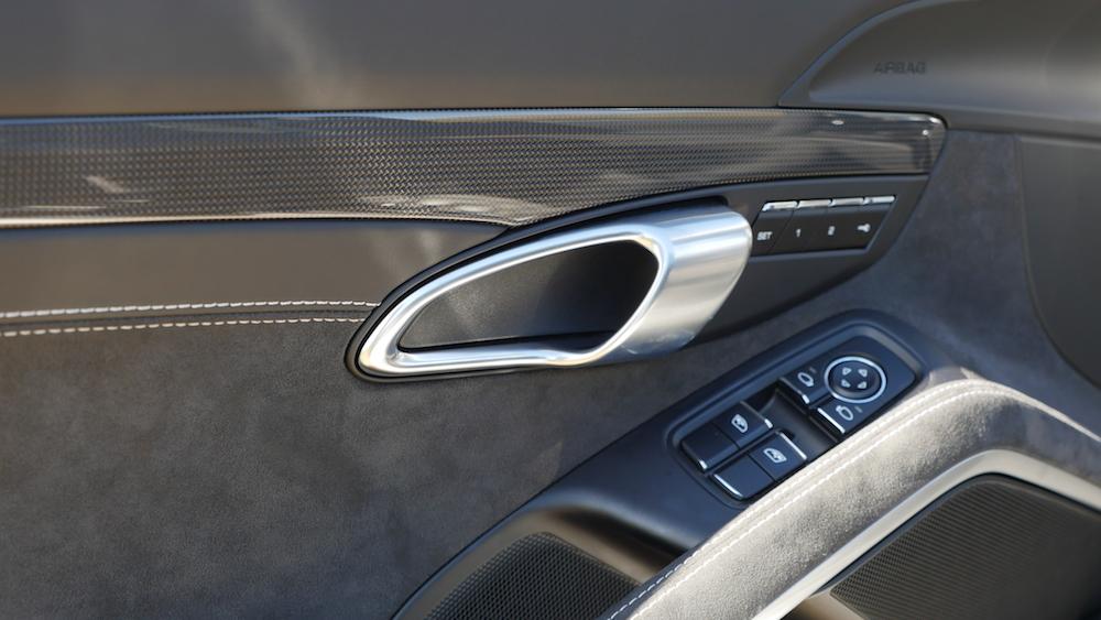 Porsche911GTS_facelift008