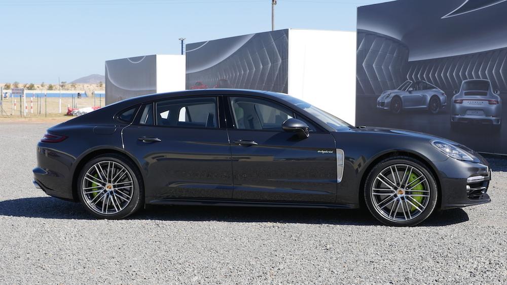 PorschePanameraE-Hybrid_Executive_002