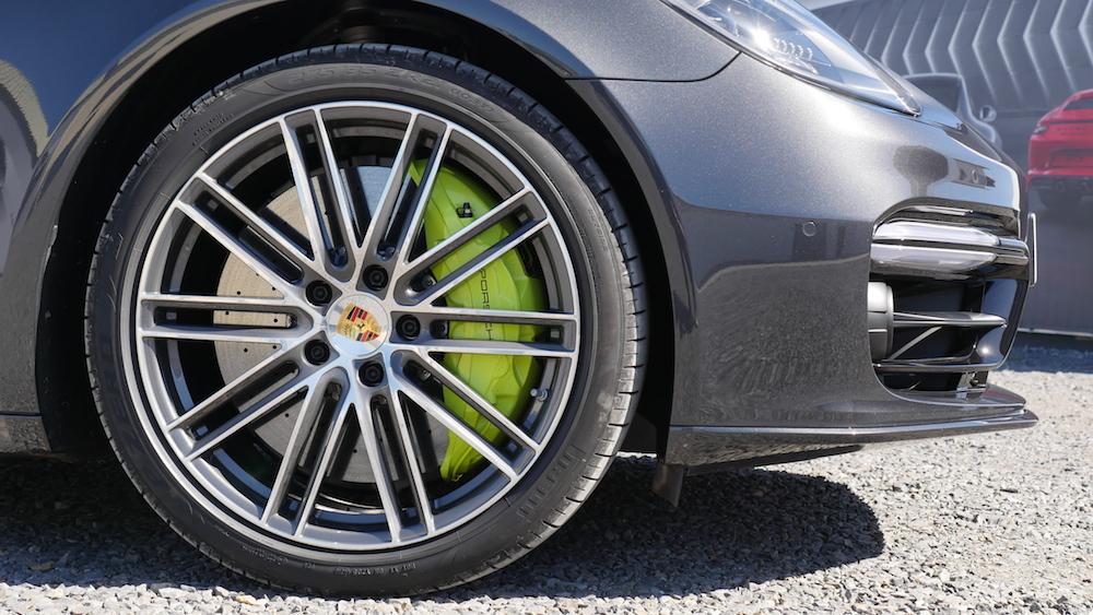 PorschePanameraE-Hybrid_Executive_003