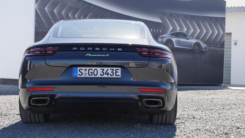 PorschePanameraE-Hybrid_Executive_005