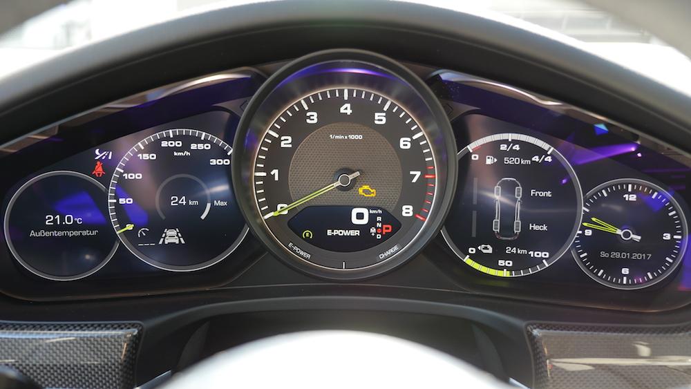 PorschePanameraE-Hybrid_Executive_011