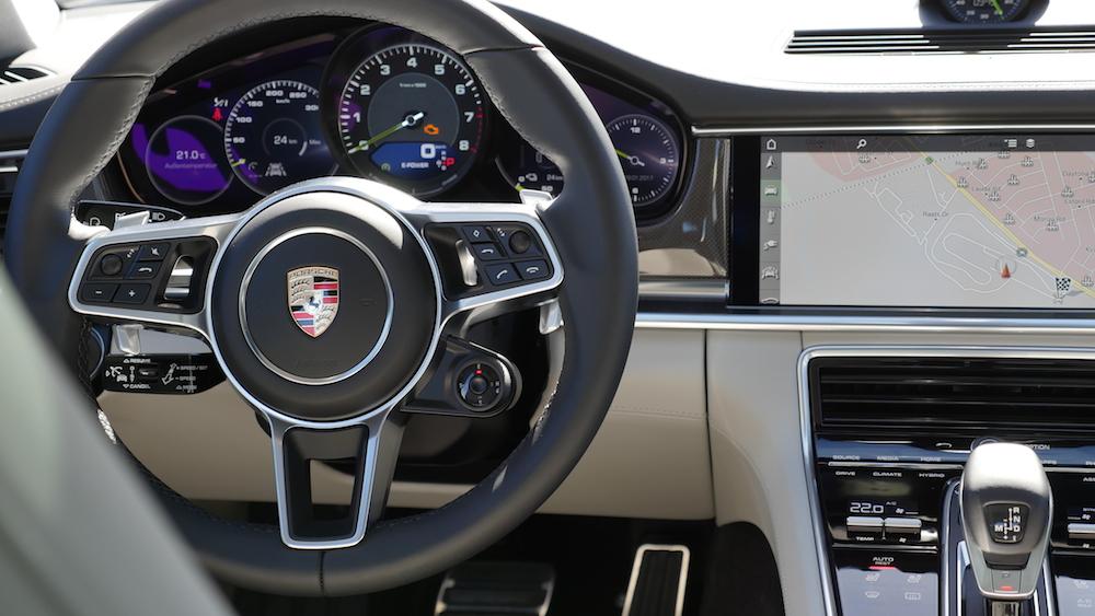 PorschePanameraE-Hybrid_Executive_018