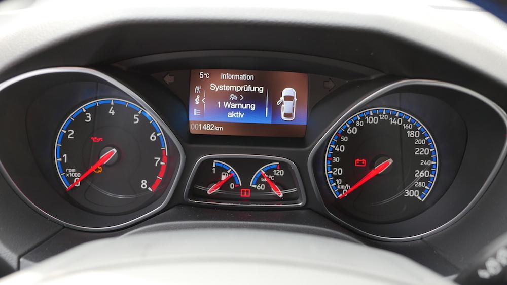 Ford focus rs testbericht in nitrous blau autogef hl for Interieur ford focus
